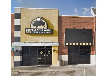 Carrollton sports bar Buffalo Wild Wings, Inc.