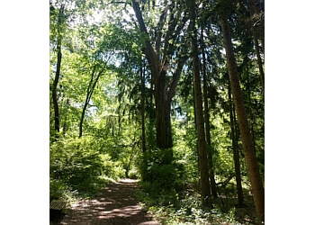 Lansing hiking trail FENNER NATURE CENTER