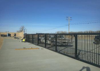 Lancaster fencing contractor California Fencing Inc.