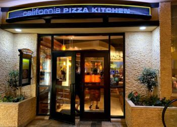 Honolulu pizza place California Pizza Kitchen
