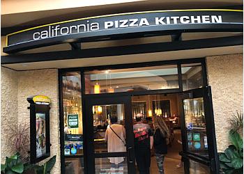 Honolulu pizza place California Pizza Kitchen