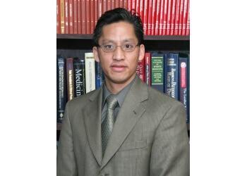 Visalia pain management doctor Calvon Voong, MD