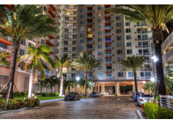 St Petersburg apartments for rent Camden Pier District