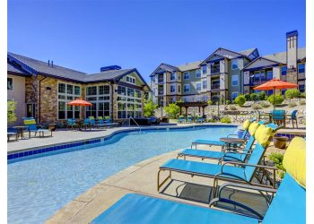 Aurora apartments for rent Canyons at Saddle Rock