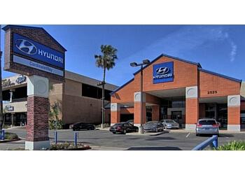 Corona car dealership CardinaleWay Hyundai