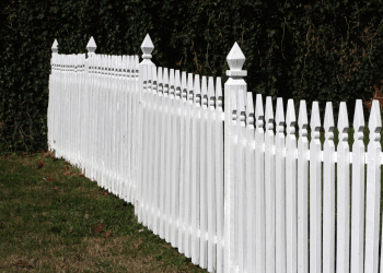 Oceanside fencing contractor Carlsbad Fence Builders