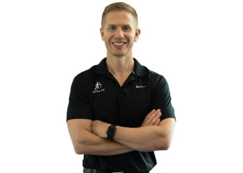Fort Lauderdale physical therapist Carson Kutuchief,DPT, OCS, COMT, CSCS