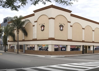 Santa Ana furniture store Casa Linda Furniture