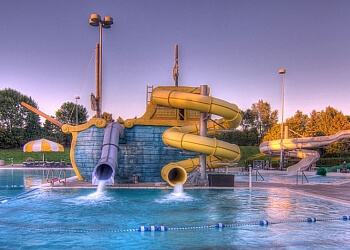 Minneapolis amusement park Cascade Bay Water Park
