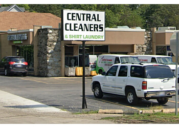 Joliet dry cleaner Central Discount Cleaners