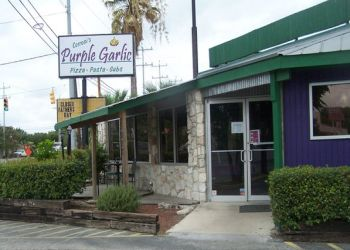 San Antonio pizza place Cerroni's Purple Garlic