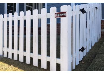 Charlotte fencing contractor Champion Fence Builders