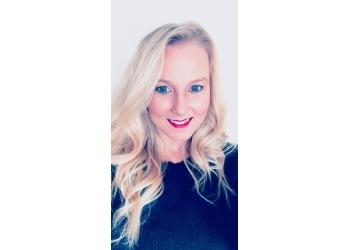 Virginia Beach real estate agent Jennifer Dawn