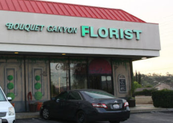 Santa Clarita florist Charmaine's Bouquet Canyon Florist