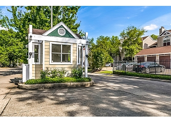 New Orleans apartments for rent Chestnut Creek
