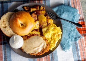 Glendale bagel shop Chompie's