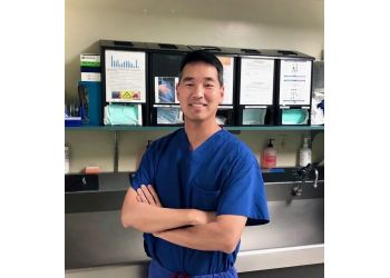 Berkeley orthopedic Christopher J. Chen, MD