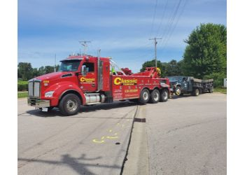 Aurora towing company CLASSIC TOWING