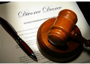 Palmdale divorce lawyer Claudia Ann Weaver