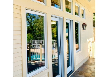 Sacramento window cleaner Clean Choice, LLC