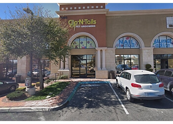 North Las Vegas pet grooming Clip 'N' Tails