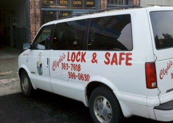 Locksmith Salem Oregon >> 3 Best Locksmiths In Salem Or Threebestrated