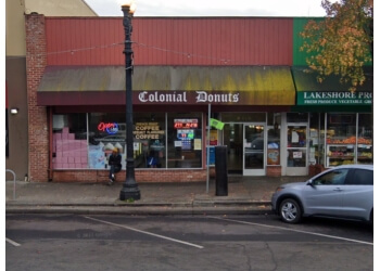 Oakland donut shop Colonial Donuts