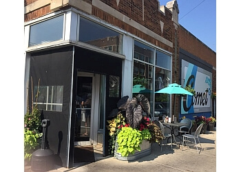 Milwaukee cafe Comet Cafe