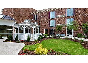 Norfolk assisted living facility Commonwealth Senior Living at Leigh Hall