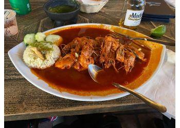 Inglewood seafood restaurant Coni' Seafood