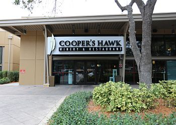 Tampa american cuisine Cooper's Hawk Winery & Restaurants