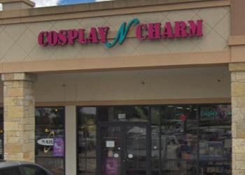 Plano gift shop Cosplay N Charm