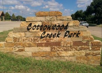 Irving public park Cottonwood Park