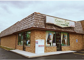 Joliet dry cleaner Country Club Cleaners