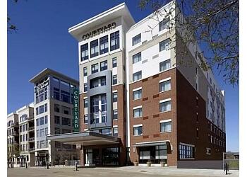 Akron hotel Courtyard