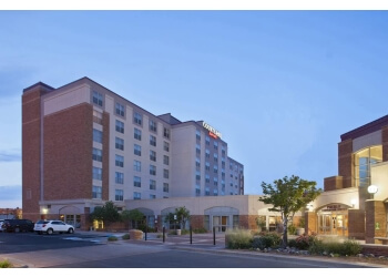 Pueblo hotel Courtyard by Marriott