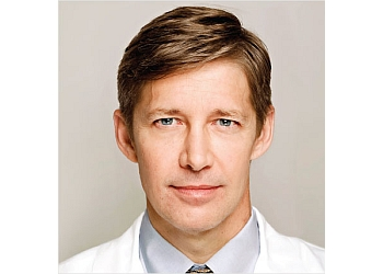 San Jose plastic surgeon Craig Creasman, MD