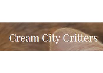 Milwaukee dog walker Cream City Critters