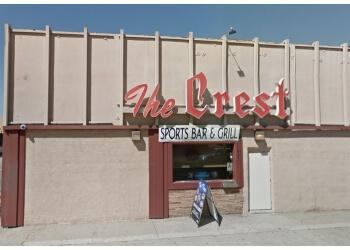 Torrance sports bar Crest Restaurant & Bar