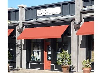 Columbus bridal shop DAPHNE'S BRIDAL BOUTIQUE