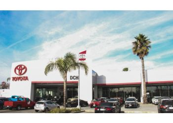 Oxnard car dealership DCH Toyota of Oxnard