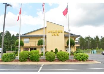 Fayetteville hotel DELUXE INN