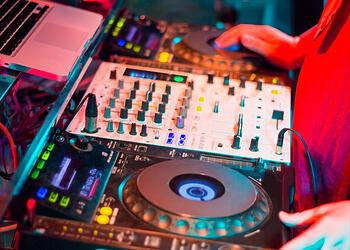 Simi Valley dj DJ Mike Breul
