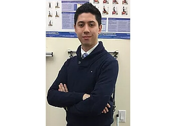 New Haven chiropractor DR. GREGORY HOM, dc