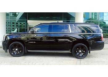 Ontario limo service DRIVENLUX, LLC