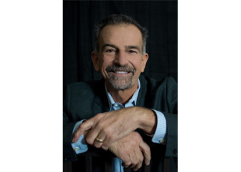 San Diego cosmetic dentist Jeff Gray, DDS