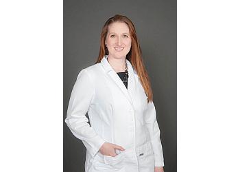 Gainesville cosmetic dentist DR. SAMANTHA ANNAS, DMD