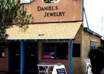 Gilbert jewelry Daniel's Jewelers