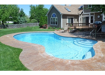 Chicago pool service Danna Pools Inc.