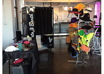 Indianapolis photo booth company Dappy Hays Event Photo Booth Services
